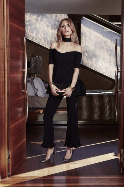 Pernille+wears+the+Lorelai+pumps+and+carries+the+Bow+clutch